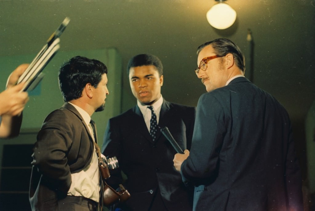 Alan Whicker interviewing Cassius Clay