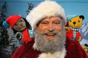 Brian-Blessed-as-Santa_w